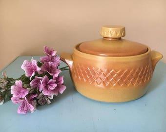 vintage retro diana Australia pottery casserole dish  Nefertiti tureen