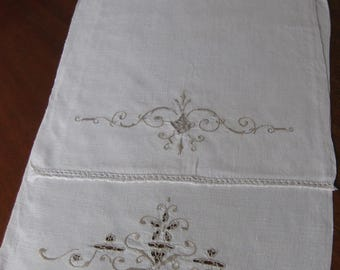 Lovely Pair of Beige Cut & Embroidered Hand Towels