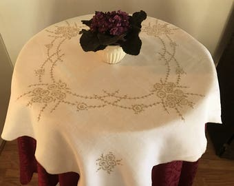 Linen Embroidered Small Tablecloth, Vintage Small Tablecloth/Table Topper, Scalloped Edge Tablecloth, Vintage Table Linens, Table Topper