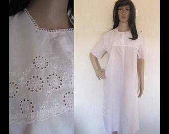 Vintage 60s Batiste Nightgown Sleepshirt-pink S / M