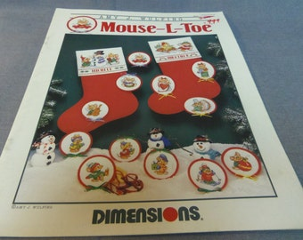 Counted Cross Stitch Patterns, Mouse L Toe Christmas Decor by Dimensions,