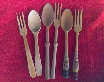 Wooden forks and Spoons , Vintage Kitchy, Salad fork and spoon, serving peices