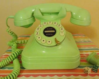 Grand Phone Lime Green Fifties Style
