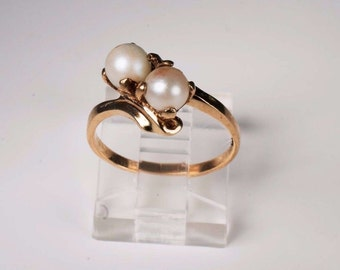 10K Yellow Gold Pearl Ring, 2.3 grams, size 6