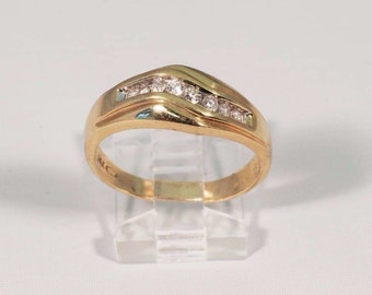 14K Yellow Gold Mens 1/4 ct. tw. Diamond Ring, Size 10.5