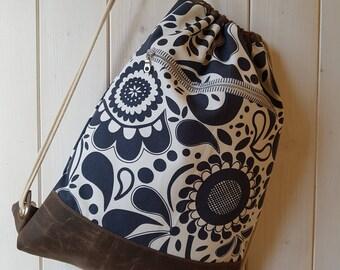 Rucksack, Turnbeutel, Matchsack, Backpack aus Baumwoll-Gemisch und gewachstem Segeltuch, Made From Cotton Mix and Waxed Canvas