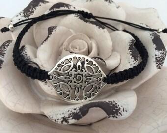 Macrame bracelet ornament Silver