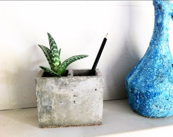 Pot to pencil - flower pot - concrete and Cork - desk - gift for colleague