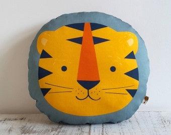 Pillow TIGER bio