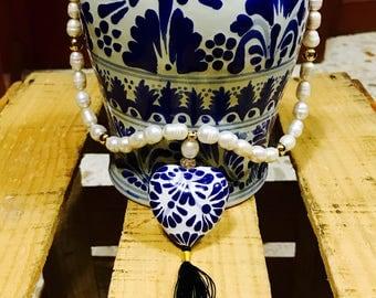 Collar de corazon de Talavera y perlas cultivadas