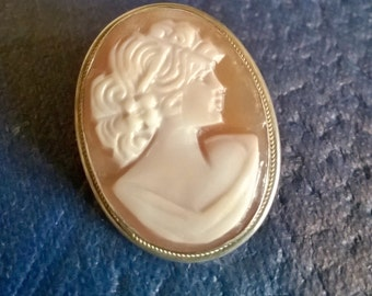 Vintage Cameo, Shell Cameo, Silver, Cameo Pendant, Cameo Brooch, Antique Cameo, Vintage Jewelry, Collectable, Gifts for Her