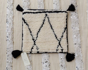 "White Moroccan cushion pillow, Decorative pillow, black and white pillow, sheep wool, beni ourain rug, 16""x16"", handmade, beni ourain pillow"