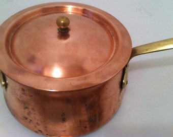 Vintage Copper Pot with Lid, Copper Cooking Pot with Brass Handle, Shelf Display, Kitchen Decor, Kitchen Decoration, Copper Hanging Pot