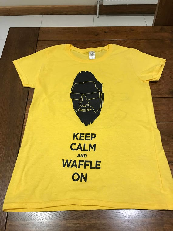 T-Shirts (Keep Calm & Waffle On) WOMAN