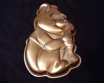 Vintage Wilton Gold Tone Winnie the Pooh with Honeypot Cake Pan 2105-379