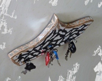 Wall Key Holder, Key Rack, Handmade Key Hanger, Wall Mounted Key Holder, Modern Ship Shaped Key Hanger, Mirror Key Holder