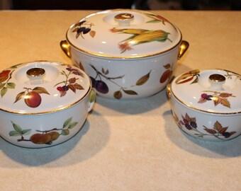 3 Elegant Vintage English U0027Royal Worcesteru0027 Fine Porcelain Lidded  Baking/Casserole Dishes/