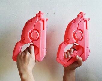 3D Printed Overwatch Tracer's Gun Cosplay Replica