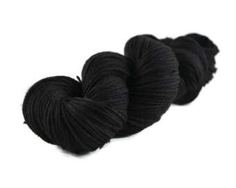 Worsted Yarn, Superwash Merino yarn, hand dyed, worsted weight yarn, wool yarn, 100% Superwash Merino, black - Onyx