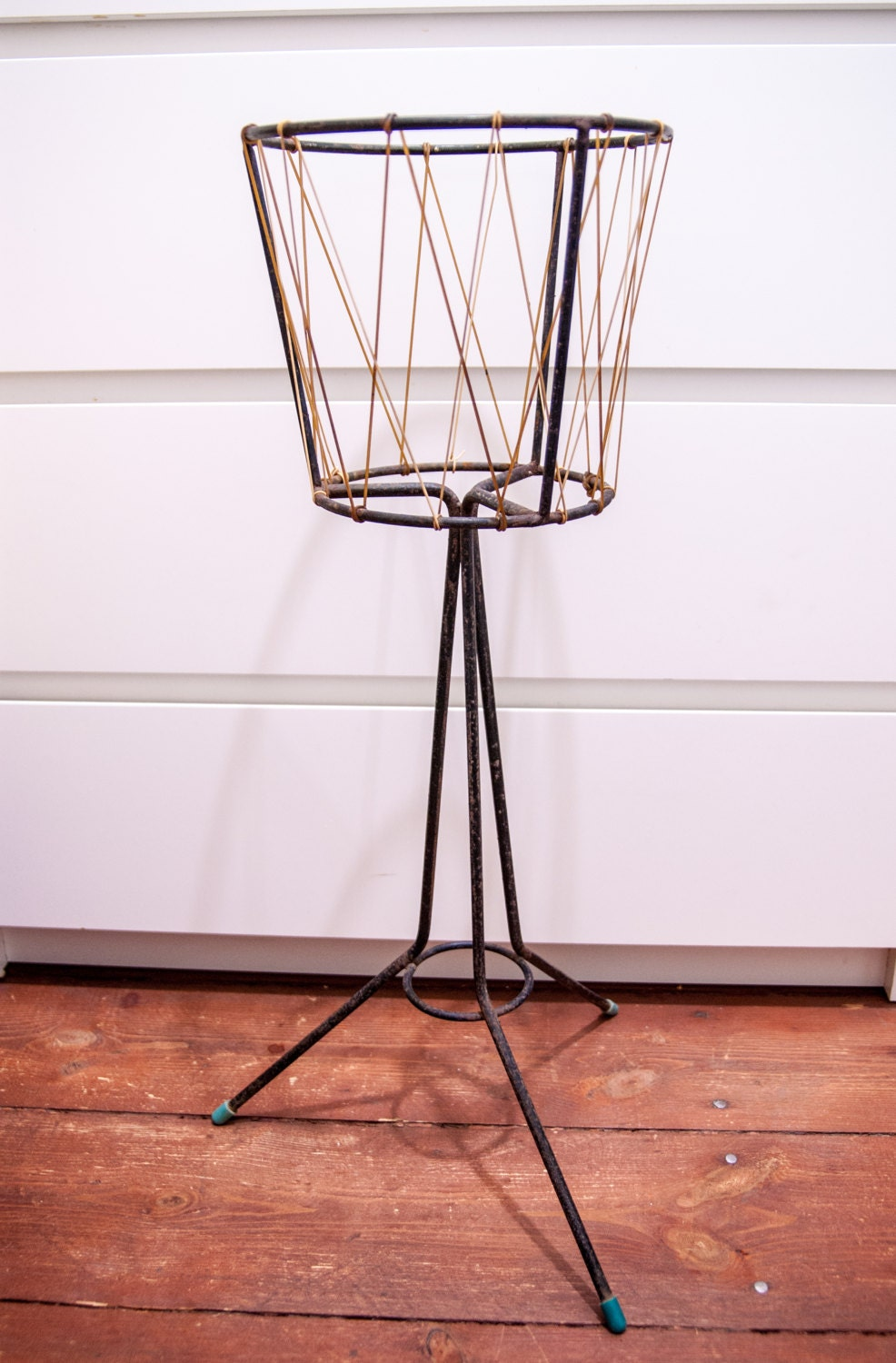Old plant stand flower stand metal plant stand flower pot - Flower pot stands metal ...