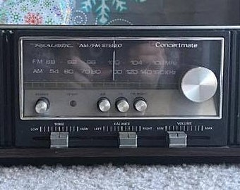 WORKING (AM only) CLEANED Vintage Realistic Concertmate Am/Fm Stereo Mantelpiece Radio