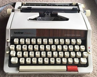 WORKING TESTED CLEANED Vintage Brother Echelon 89 Automatic Repeat Spacer Manual Typewriter with Original Case