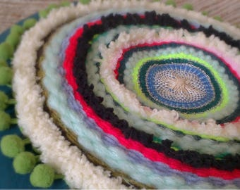 Multicolor round cushion
