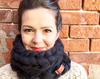 Chunky Knit Wool Blend Scarf in *black* - Cowl Neck Warmer
