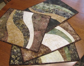 Extra Large Quilted Placemat Set of 4. Modern Wave Piecing, Backed in brown batik, reversible