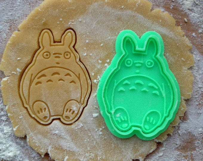 Totoro cookie cutter. Studio Ghibli cookies. My Neighbor Totoro cookie stamp