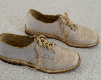Vintage Girls' White Leather Shoes