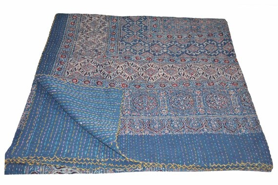 main indienne kantha quilt la main fleur tropicale bloc. Black Bedroom Furniture Sets. Home Design Ideas