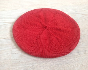 Hand-knitted Beret / Red Wool Beret / Red Beret / Wool Beret / French Beret / Warm winter Hat / Slouchy Hat / 100% pure virgin wool
