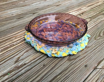 Rustic Table Centerpiece, Large Oval Trivet from Upcycled T-Shirts, Rustic Home Decor, Country Home, Boho, Braided Rag Rug trivet