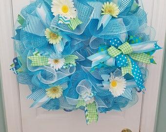 SALE Daisies everywhere!  deco mesh wreath