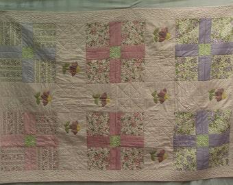 Large handmade quilt 140 cm x 210 cm - made using 100% cotton fabrics