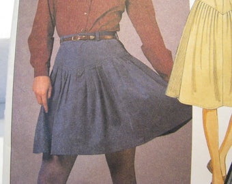 Vintage Sewing Pattern, McCall's 8696, 'The Gap' Misses Skirt and Pants Pattern size 10
