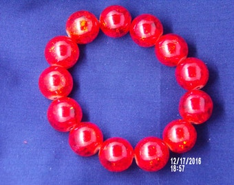B1260 Large Red Cracked Crystal Braclet.