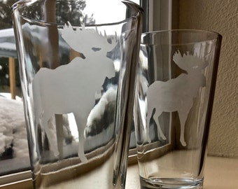 Large Moose etched pint glasses