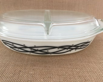 Pyrex Divided Casserole Dish, Barbed Wire with Pyrex Lid