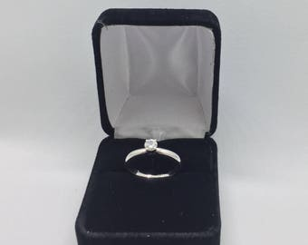 GEORGEOUS 14k White Gold Solitaire Ring With 0.37 CT Diamond