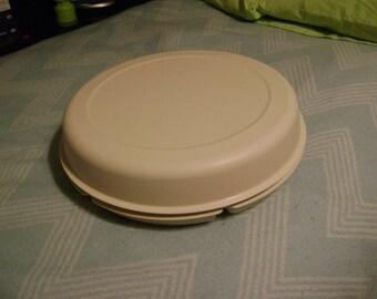 Tupperware veggies and dip tray & lid