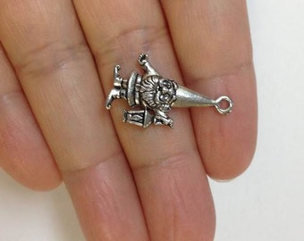 4 Garden Gnomes Charms Antique silve Tone 2 Sided
