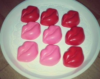 Valentine's Day/ Large Lips Chocolate Covered Oreo - set of 6