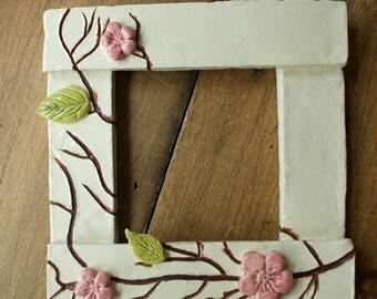 Blossom- simple ceramic frame