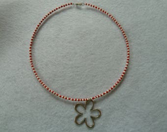Ripe red and white with flower chain