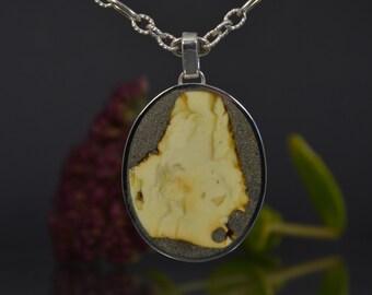 Amber pendant, Baltic amber, white amber pendant, Baltic amber pendant, amber jewelry, natural Baltic amber, original amber.