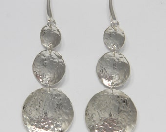 """Silver earrings-glossy discs fought to climb to close at amo-""""free shipping"""""""