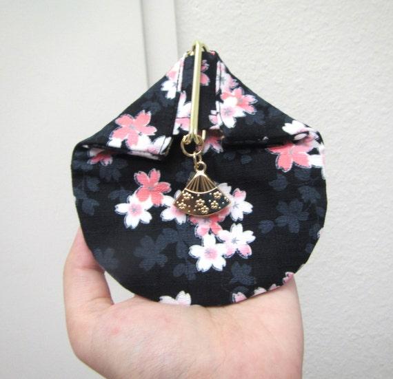 Coin purse, Triangle Coin purse,Semicircle Coin purse, metal closure, unique coin purse,  Rice balls purse, Japanese style