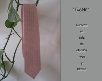 Tiana. Teenager in pink cotton tie.